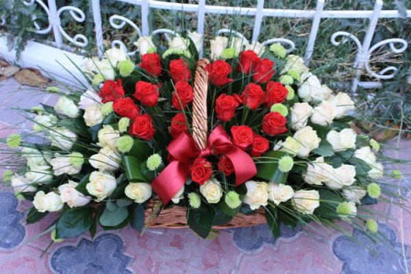 Композиция «Классика жанра» 101 роза.