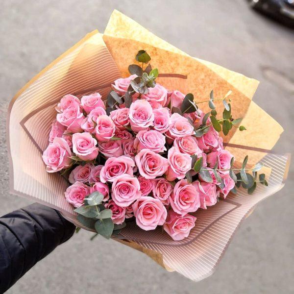 Букет из кустовой розы №6