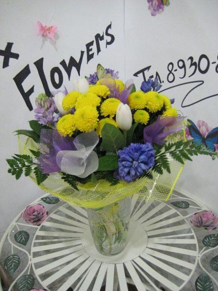 Букет из гиацинтов, тюльпанов и хризантем