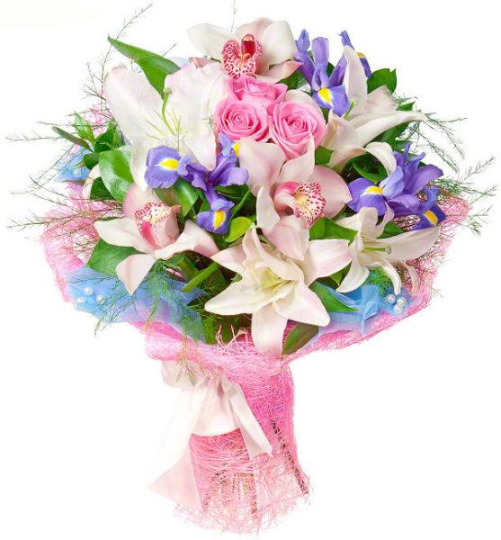Букет с лилиями и ирисами.