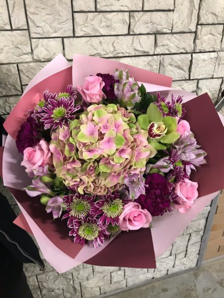 Букет с гортензией и розами №20