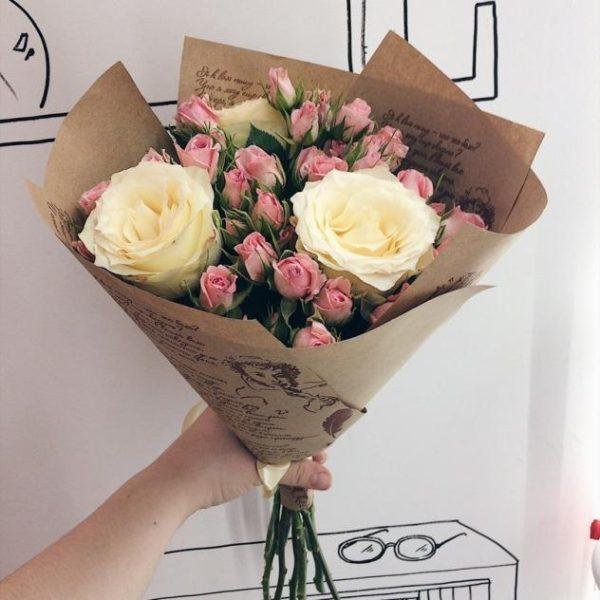Букет микс (куст.роза, роза белая)