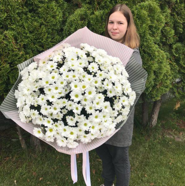 Букет из 25 хризантем